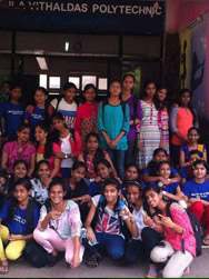 By Girls Visit Sndt Rotary Club Of Bombay